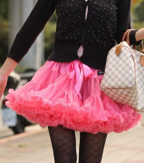 Dolly sukňa - Šípková ruženka - veľ.M,