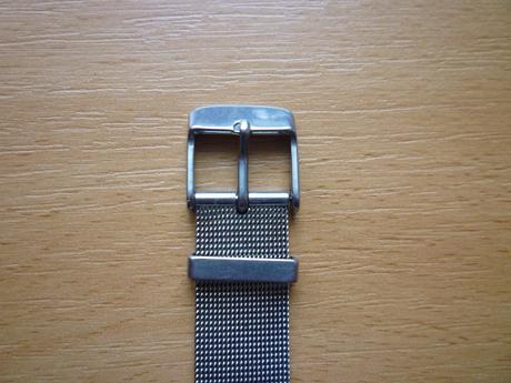 Darujem / elegantné hodinky pre dámy,