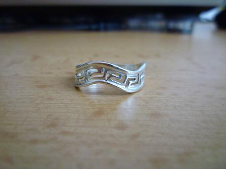 Pekný strieborný prsteň,