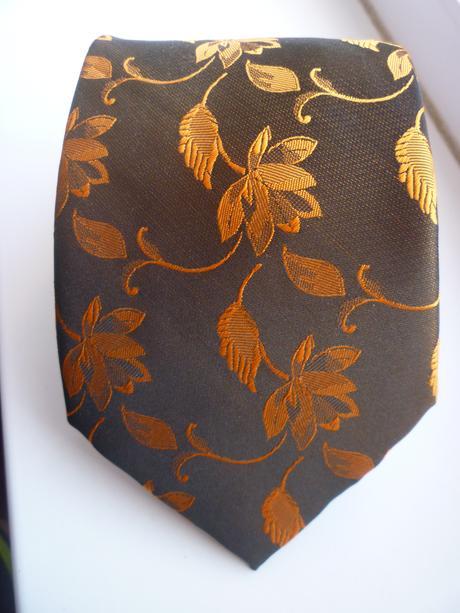 Set - kravata s oranžovými kvietkami,
