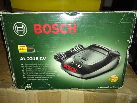 Bosch AL2215 CV - nabijacka ,