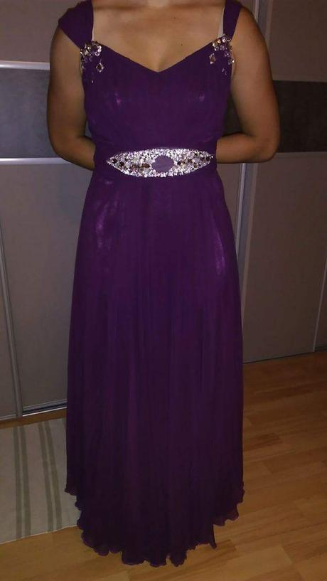 Šifonové šaty, 44