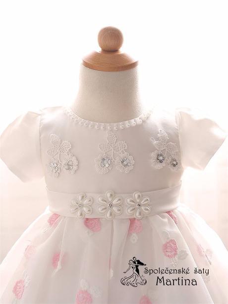 Šaty pro družičku, 74