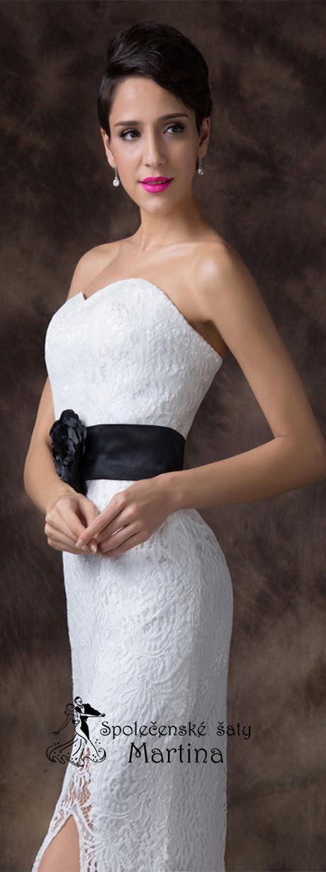 Svatební krajkové šaty, 44