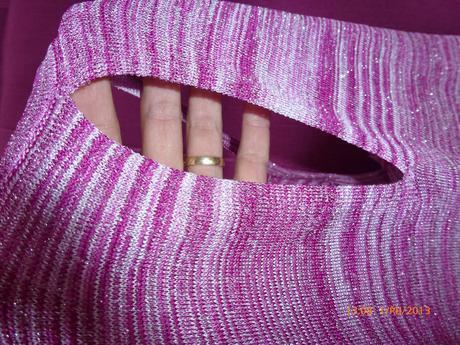 Růžové tílko s výstřihem do slzičky zn. Werenhouse, 38