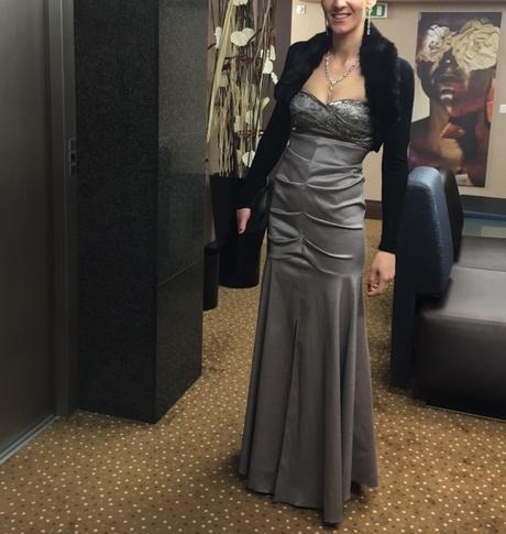 Spolocenske saty aj pre tehotne damy, 36