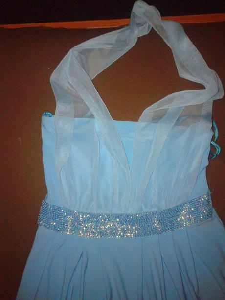 Modre spoločenské šaty, 36