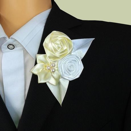 Saténová svadobná kytica v rôznych farbách,