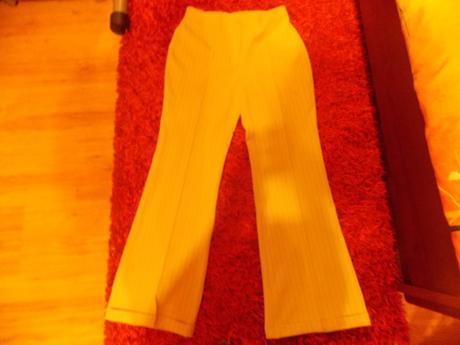 Sukňovo nohavicový kostým, 38