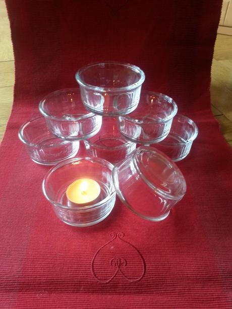 Mističky, lze použít také jako svícny,