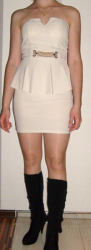 Nenosené šaty S-M, S