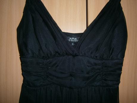 Jemné čierne šaty, 36