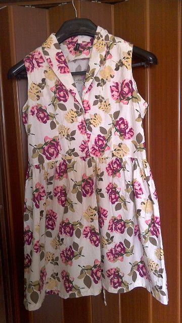 Květované šaty, 44