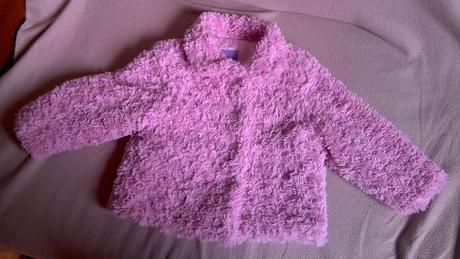 Sváteční růžový kabátek, 104