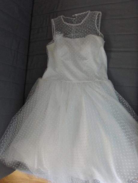 Svatební tylové šaty s puntíky - krátké , 38