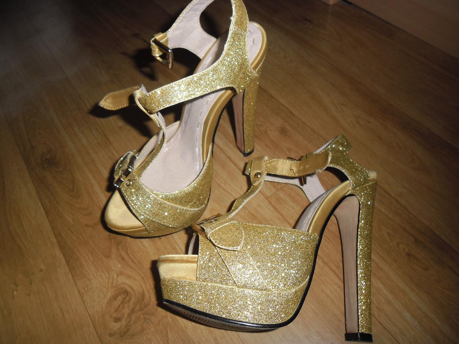 91e07d3c1be6 Zlaté topánky