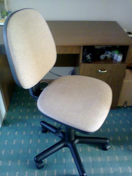 stôl a stolička,