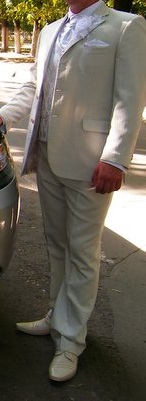 Svadobný oblek s prúžkom, 52
