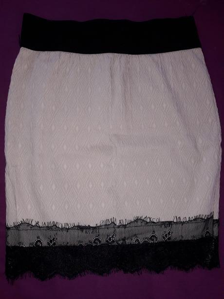 kremová sukňa s čipkov XS/S, 34