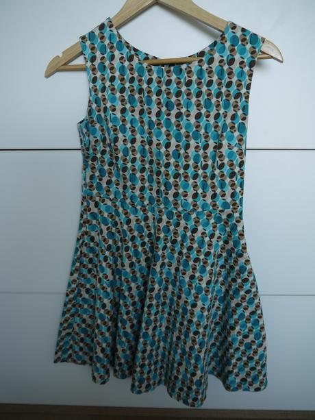 Originalne šaty, 38