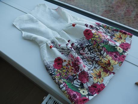 Šaty - vzor poľné kvety, 38