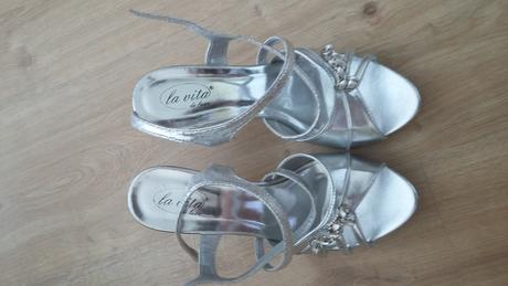 Strieborné sandálky, 38