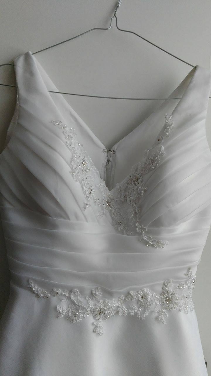 d6b35b7165d Popůlnoční x svatební šaty vel.36