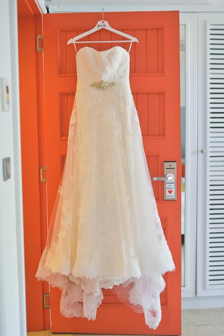 Pronoviasky- nádherné čipkované svadobné šaty, 36