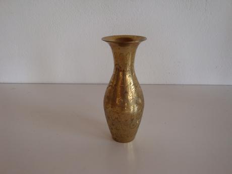 Kovová tepaná váza,