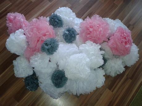 Pompoms - bílá, růžová, šedá,