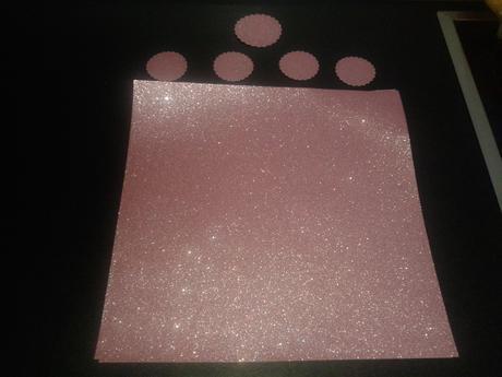 Třpytivý papír - gramáž cca 200-220g/m2,