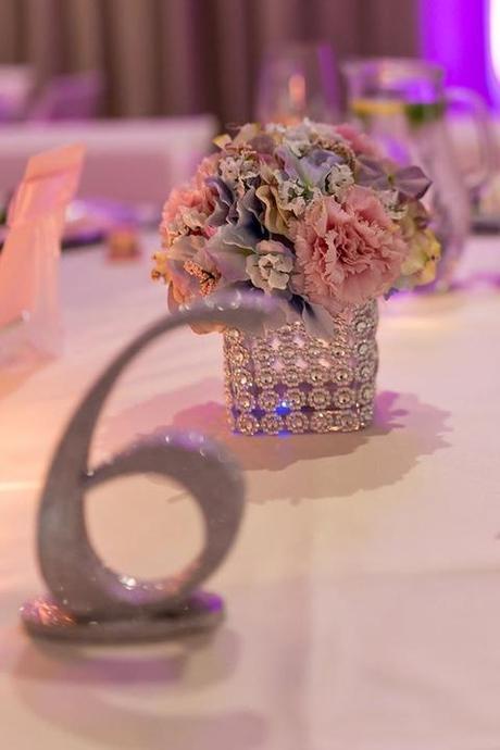 Hranatá váza 10x10cm s kamienkovým návlekom ,