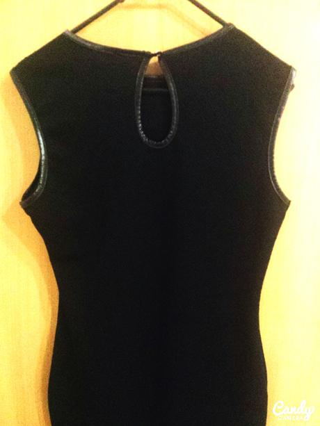 Krátke čierne šaty, M