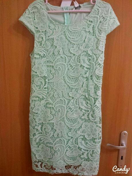 Mentolové čipkové krátke šaty, 42