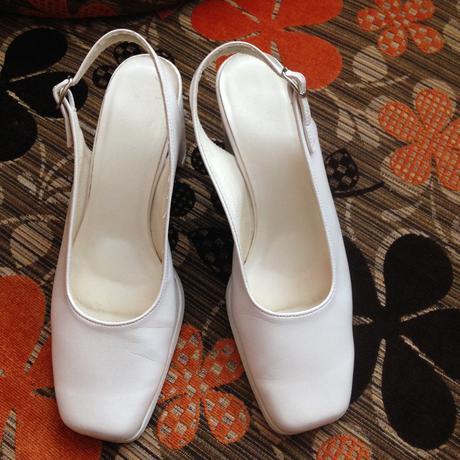 Bílé boty na širším podpadku, 38