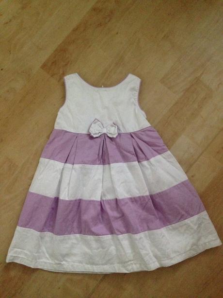 Bílo-světle fialové šatičky pro družičku, 86