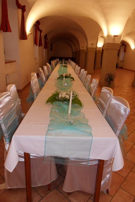 Tyrkysová svatební výzdoba pro 60 lidí,