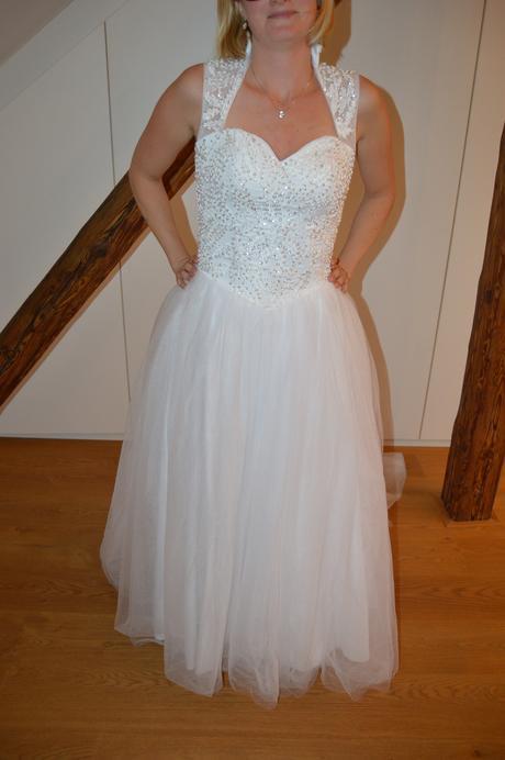 Jedinečné svatební šaty pro dokonalou nevěstu, 36