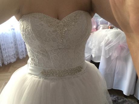 Svatební saty, 40