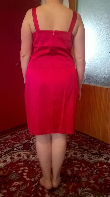 Krátke červené spoločenské šaty, 44