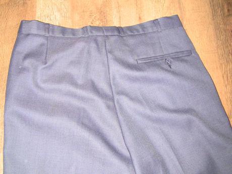 Sivý oblek , 52