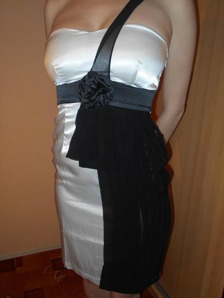 Bílo černé koktejlové šaty, 36