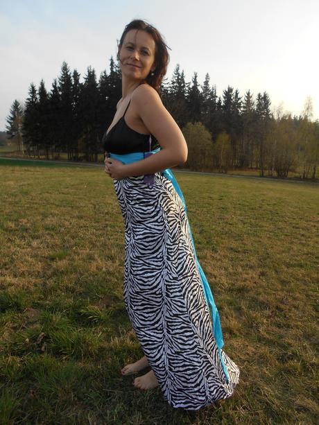 Zebrované šaty  , 38