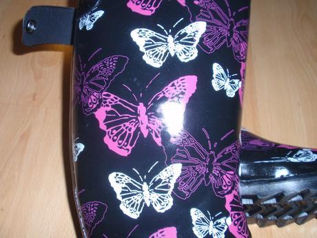 Holínky s motýlky, 38