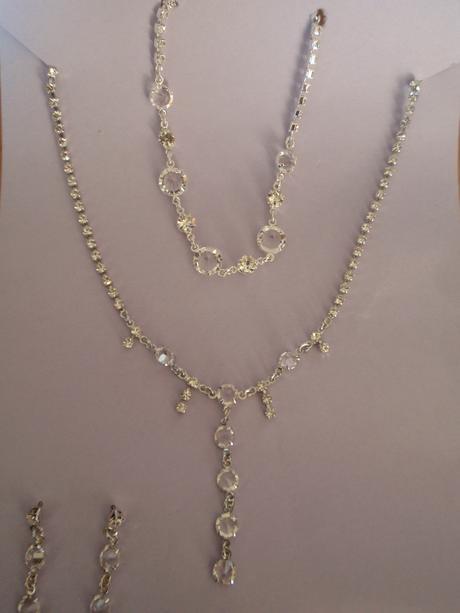 Sada náhrdelník, náramek, náušnice,