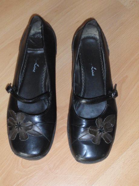 Společenské boty, 37