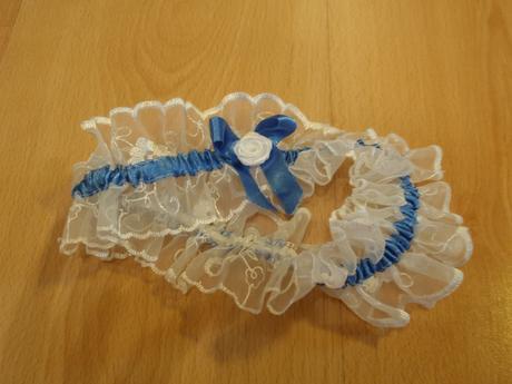 Svatební podvazek modro - bílý, L