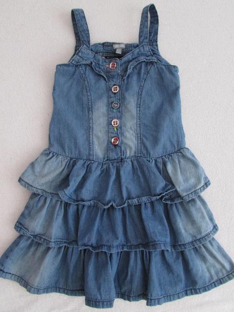 Šaty na 4-5 rokov, 104