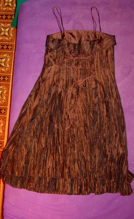 Hnedé šaty na šnurovačku , M