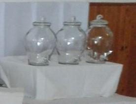 Sklenená fľaša s kohútikom,